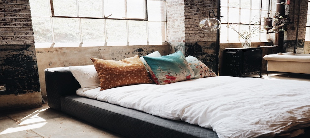 The Savvy Sleeper's Guide to The Best Memory Foam Mattress